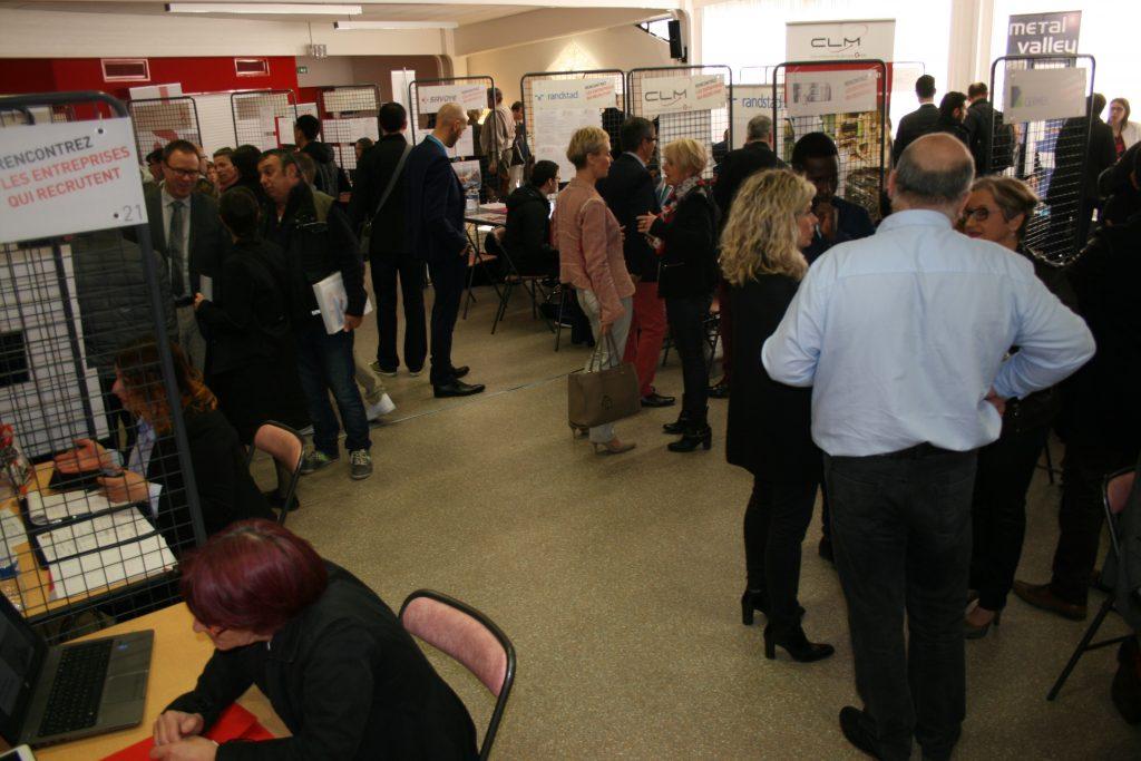 Affluence sur le Forum des métiers et de l'alternance UIMM 2017