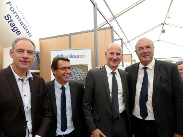 M. François Sauvadet (à droite) en compagnie de 3 membres de Métal'Valley